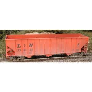 Bowser Manufacturing HO Scale RTR 100 Ton Hopper/Weather