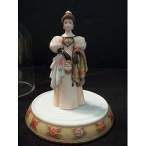 Avon Mrs. Albee Figurine 2000 Mini