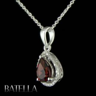 White Round Cut Zircons Surrounds Pendant Set In 925 Sterling Silver