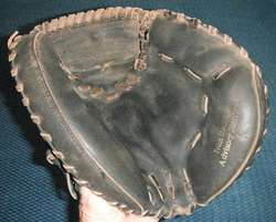 WILSON A2571 BASEBALL CATCHERS MITT GLOVE IVAN RODRIGUEZ ADVISORY