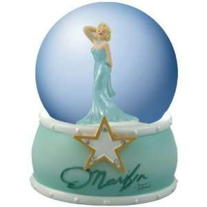 Marilyn Monroe   Gold Star Marilyn Waterglobe Everything