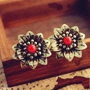 HOT South Korea Retro Vintage Style Big Daisy Flowers Earring // Free