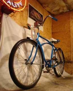 VINTAGE SCHWINN TYPHOON MENS BEACH CRUISER BIKE/BICYCLE RADIANT BLUE