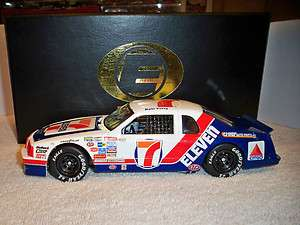 ACTION 1/24 KYLE PETTY #7 7 11 FORD THUNDERBIRD ELITE 1 OF408 SUPER
