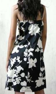 spaghetti straps dress printed with white floral ornaments retro style