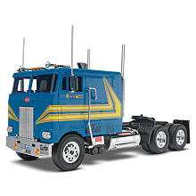 Revell 132 Scale Snap Model Kit   Peterbilt 352 Cabover Tractor