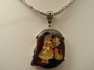 NATURAL HAND CARVED AMBER PENDANT NECKLACE LITTLE GIRL W/KITTY