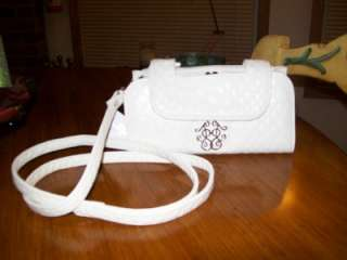 AUTHENTIC JESSICA SIMPSON WHITE TRACY INSIGNIA CLUTCH WITH