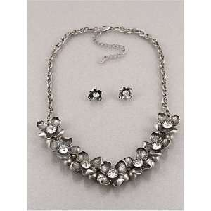 Fashion Jewelry Desinger Inspired Silver Oxidizd Flower Necklace and