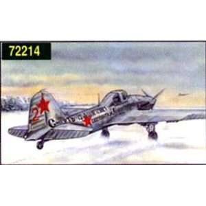 Illyushin IL 2 WWII STORMOVIK 1 72 EASTERN EXPRESS Toys & Games