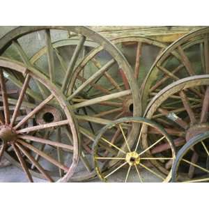 1000 images about old stuff and collectibles on pinterest for Things to do with old wagon wheels