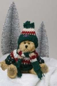 Unipak Designs ~ 8 Christmas teddy bear w/ knit sweater, hat & scarf